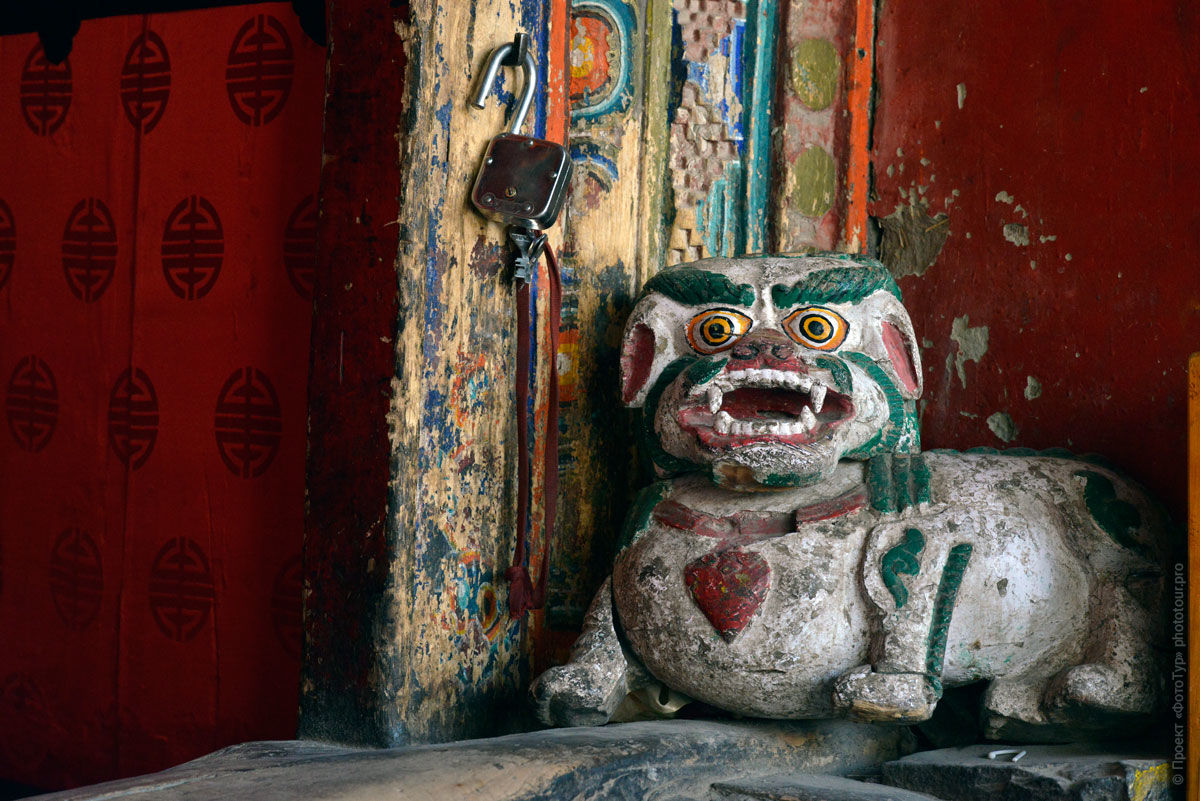 Snow lion in a Buddhist monastery Hemis. Tour Tibet Lakeside Advertising: Alpine lakes, geyser valley, Lamayuru, Colored Mountains, 01 - 10.09. 2021 year.