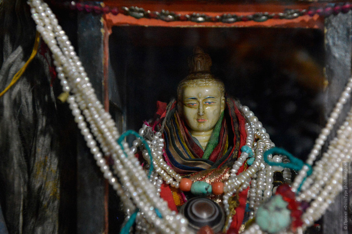 Statue of Avalokiteshvara in the monastery of Stakna Gonpa. Phototour Incredible Himalayas-2: Tsam dance at Tiksei monastery + Tso Moriri lake, Ladakh, Tibet, 11.11.-20.11.2020.